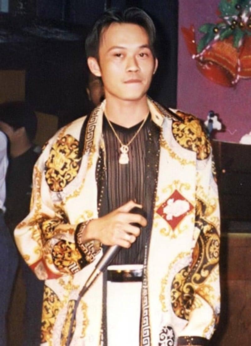 Danh hài - NSƯT Hoài Linh đậm chất hiphop, gương mặt thời trẻ quả thực hệt như một 'dân chơi thứ thiệt'