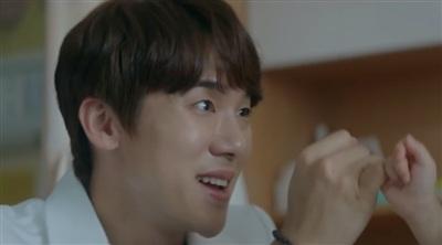 'Hospital Playlist 2' tung 'thính' cuối cùng: Ik Jun sẽ bị Song Hwa từ chối tình cảm? 1