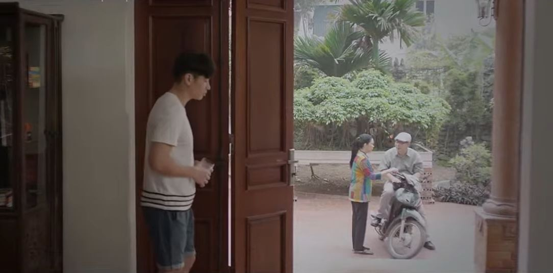 'Mùa hoa tìm lại' tập 10: Việt im lặng 10 năm dù biết mẹ mình hại Lệ, liệu có phải là yêu? 5