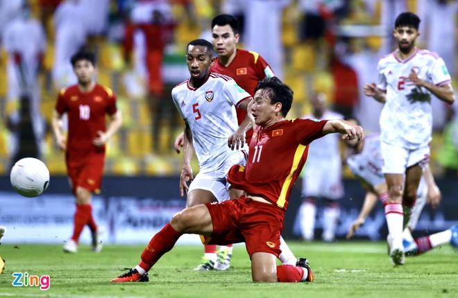 Sau trận Việt Nam - UAE: Á hậu Thúy Vân phán 'không công bằng', Phan Mạnh Quỳnh bóc phốt 'quả nhạc lạ' của đội bạn 0