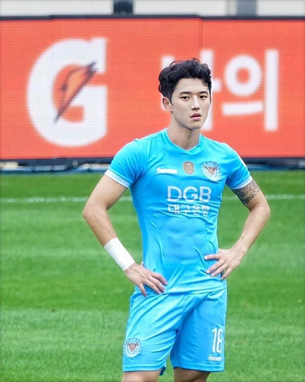 3 vận động viên soái ca Hàn Quốc ở Olympic Tokyo khiến người xem xỉu dọc, xỉu ngang 3