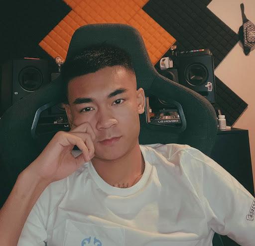 Nếu không phải streamer, Quang Cuốn sẽ là một nhân viên kỹ thuật máy tính