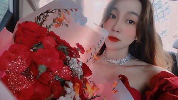 Duyên Nguyễn đã tranh thủ tổ chức sinh nhật sớm hơn 1 tháng cho người yêu