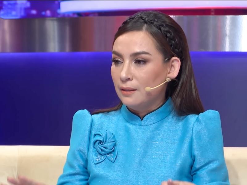 Bạn thân Phi Nhung tiết lộ tình hình của nữ ca sĩ không tốt, sức khỏe đã yếu hơn trong 2 ngày qua 1