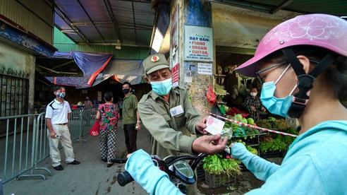 Bí thư Hà Nội yêu cầu áp dụng phiếu đi chợ toàn thành phố