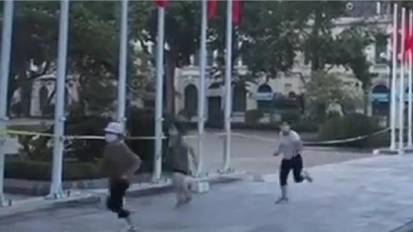 Hà Nội: 4 phụ nữ chạy thể dục bị phạt 8 triệu đồng, có người nói 'dắt chó đi dạo vì nhu cầu cấp thiết'