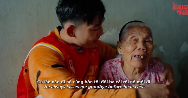 Xúc động hoàn cảnh của cầu thủ trẻ đội Saigon Heat: 'Bà nội là người mẹ thứ 2!'