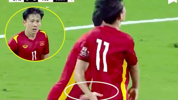 Clip: Camera bắt trọn khoảnh khắc 'bàn tay hư' của Quế Ngọc Hải với Minh Vương sau bàn thắng rút ngắn tỷ số