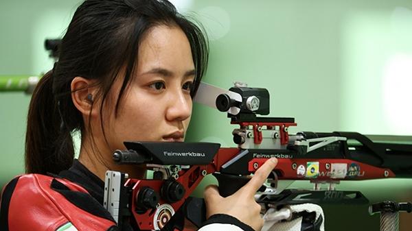 Không lọt vào chung kết Olympic, nữ VĐV bắn súng Trung Quốc bị netizen nước nhà lăng mạ chửi bới thậm tệ