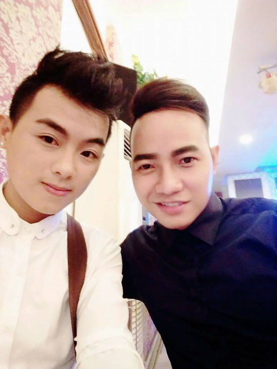 Hai nam ca sĩ tử vong trong vụ tai nạn là thành viên nhóm nhạc ATA.