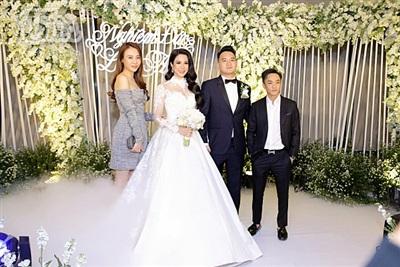 Diệp Lâm Anh xinh như công chúa, ngọt ngào hôn chú rể trong tiệc cưới xa hoa 9