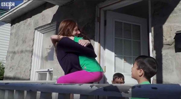 Những đứa trẻ luôn yêu mến Rachel bởi vì cô là người rất dễ gần. Ảnh: BBC.