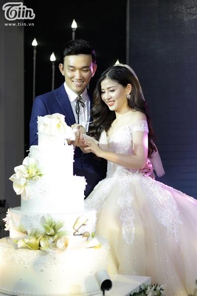 Cô dâu Hoài Ny - Chú rể Nam Sơn.