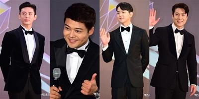 Từ trái sang phải: Lee Ji Hoon, Jun Hyun Moo, Yeo Hoe Hyun, Jo Hyun Jae diện âu phục na ná nhau. Trang phục vest thắt nơ bướm đã đi vào huyền thoại của thảm đỏ hằng năm.