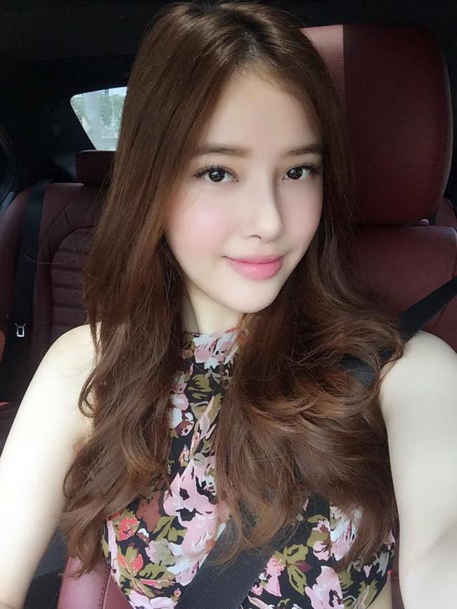 Ngất ngây với nhan sắc xinh như hot girl của các em gái nhà sao Việt 0