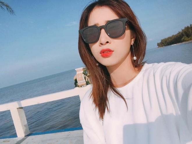 Ngất ngây với nhan sắc xinh như hot girl của các em gái nhà sao Việt 12