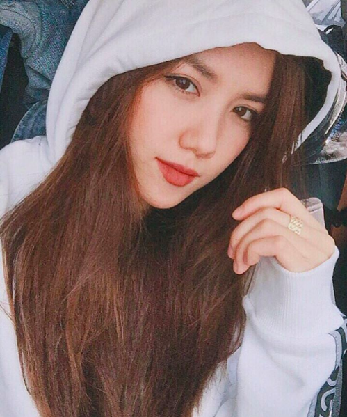 Ngất ngây với nhan sắc xinh như hot girl của các em gái nhà sao Việt 19