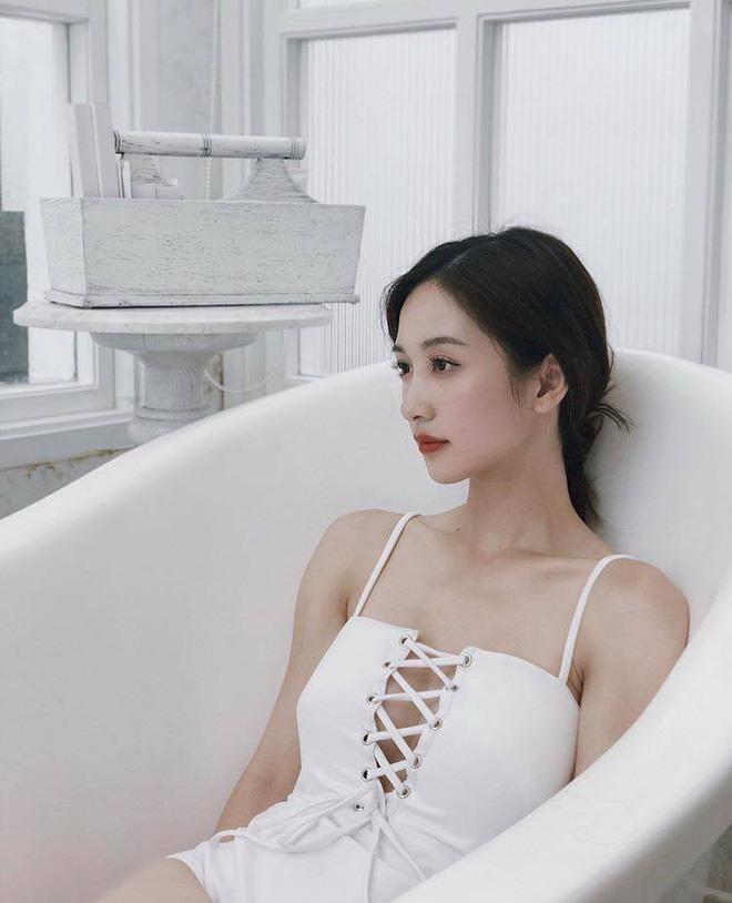 Về những phản ứng của dân mạng, Jun Vũ cho rằng có thể mọi người chưa quen với hình ảnh mới của cô nên nhận xét như vậy. Cô hy vọng theo thời gian, mọi người có thể chấp nhận tính cách và hình tượng của mình.