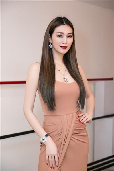 Người đẹp Khánh My.