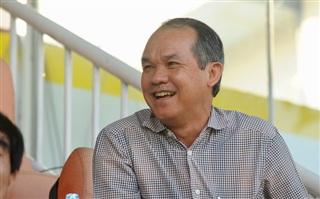 Bầu Đức tỏ ra bình thường dù quân HAGL tỏa sáng giúp U23 Việt Nam vào chơi bán kết. Ảnh: Cao Nguyên.