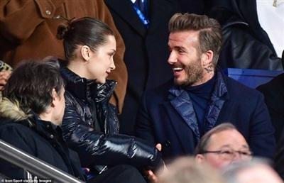 Sợ bà xã Victoria ghen, David Beckham đành tỏ ra vô cảm khi ngồi cạnhBella Hadid? 0