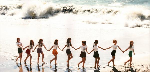 Jessica đã rời nhóm 4 năm, Yuri vẫn gián tiếp khẳng định SNSD luôn có 9 thành viên bằng hành động này 1