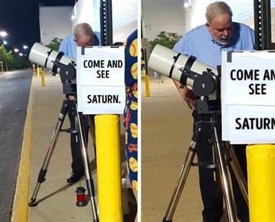 Người đàn ông này lắp một chiếc kính thiên văn đểcho mọi người nhìn thấy sao Thổ miễn phí.