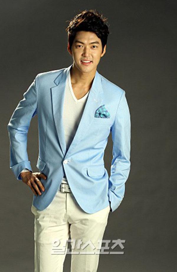 Sau 8 năm thì tin đồn được xóa bỏ nhờ thành viên Kim Bum Suk (Donghwa) lên tiếng đính chính.