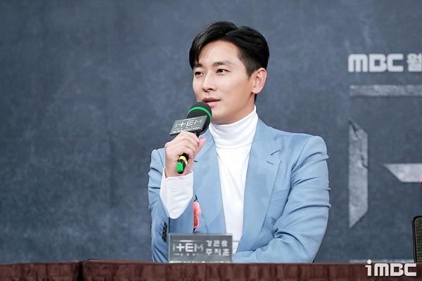 Joo Ji Hoon cho biết sẽ ủng hộ phim của Jung Il Woo