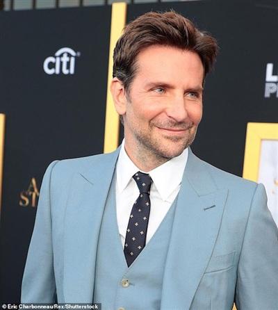Trước khoảnh khắc khả nghi, Bradley Cooper hoàn toàn trong sạch.