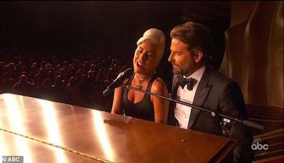 Lady Gaga cho rằng màn trình diễn 'Shallow' tình tứ vừa qua chỉ là diễn sâu.