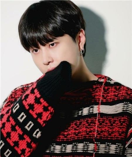 Jun Hyung rời nhóm, thành viên Highlight vẫn thảnh thơi đi ủng hộ concert bạn thân 0