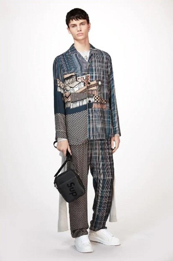 Không hổ danh là quý tộc, đến bộ đồ ngủ của Sehun (EXO) cũng đáng giá gần trăm triệu đồng 4