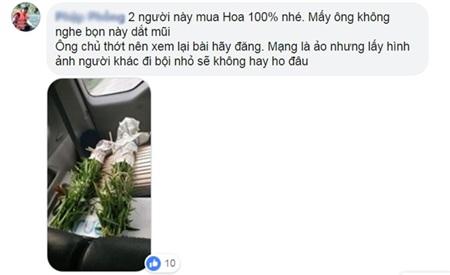 'Sống ảo' chán chê cạnh gánh hoa bán rong nhưng không mua rồi bỏ đi, 2 cô gái khiến dân mạng tranh cãi 8