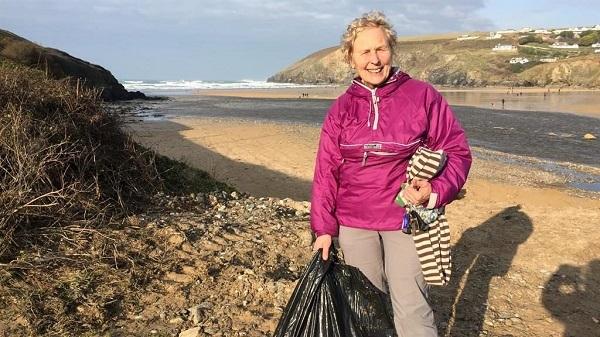 Bà Pat Smith (70 tuổi) sống tại nước Anh
