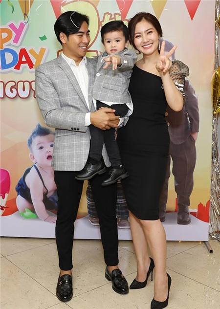 Gia đình hạnh phúc của Thanh Bình - Ngọc Lan.