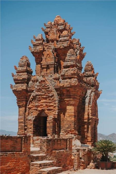 Công trình này có trình độ kiến trúc, nghệ thuật, điêu khắc đạt đến đỉnh cao. Di tích kiến trúc nghệ thuật này được Bộ Văn hóa xếp hạng di tích di tích quốc gia năm 1979 và được Thủ tướng Chính phủ xếp hạng di tích quốc gia đặc biệt