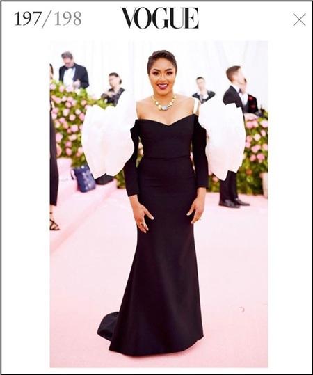 Không nổi tiếng đình đám nhưng nhờ chiếc váy thiết kế giống lightstick của Black Pink,Alicia L Quarles vinh dự sở hữu một suất trong danh sách Top 198 người mặc đẹp của Vogue.