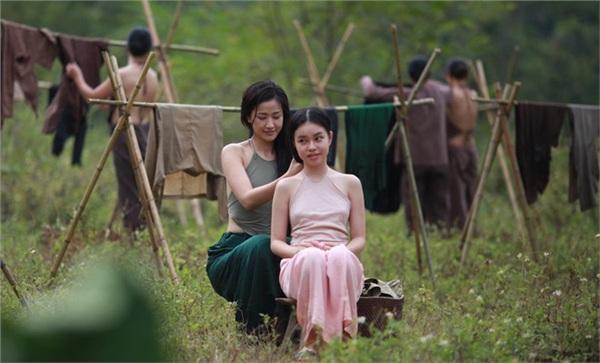 Tranh cãi nữ sinh 13 tuổi đóng 'cảnh nóng', đạo diễn phim 'Vợ ba' đáp trả: 'Tôi không quan tâm đâu!' 0
