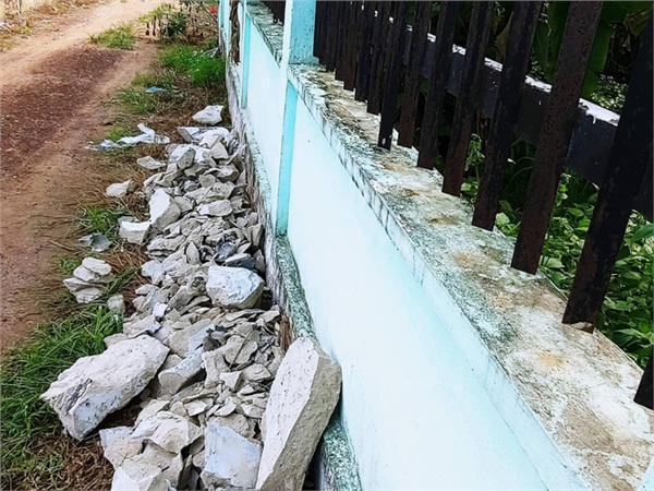 Khối bê tông chứa thi thể bị đập bỏ để khám nghiệm