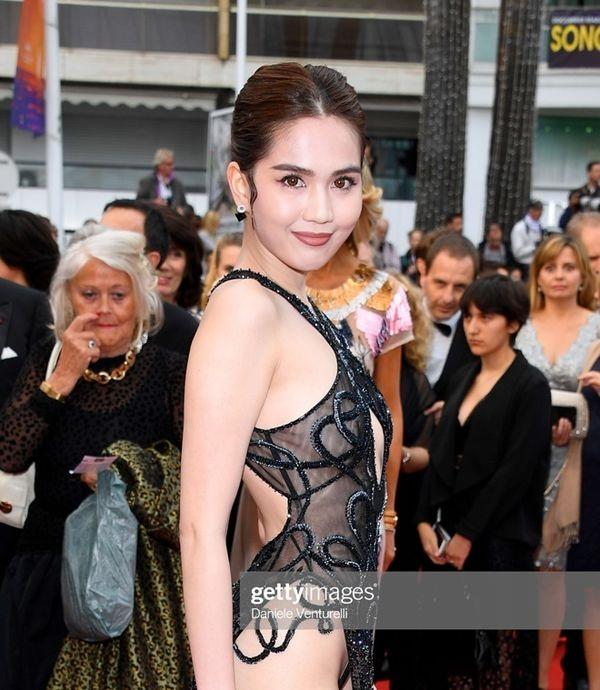 Thảm đỏ Cannes 2019 ngày 6: Cổ Lực Na Trát đẹp tựa nữ thần, Ngọc Trinh gây choáng váng với trang phục 'mặc mà như không' 7