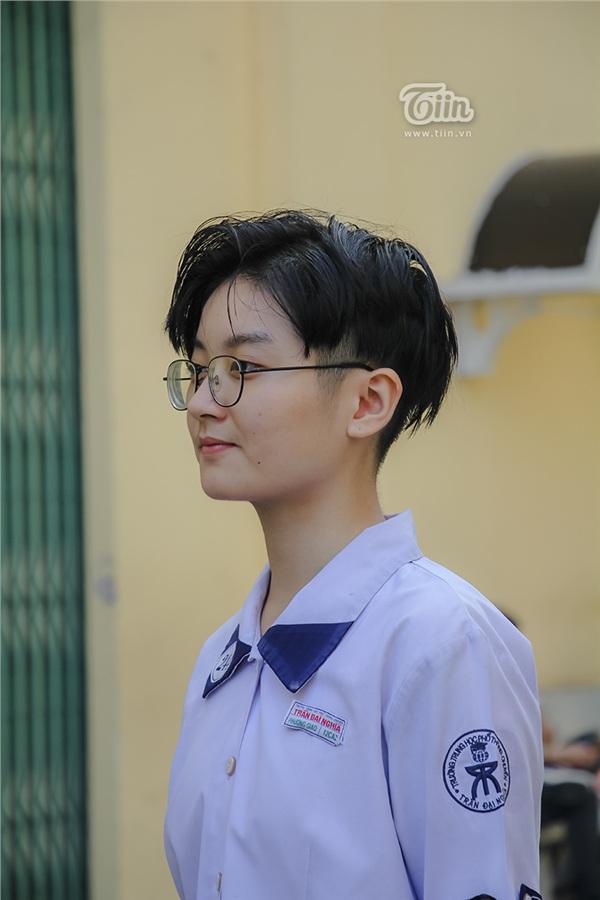 Cô nàng tomboy cao 1m80 trường Chuyên Trần Đại Nghĩa hút ngàn fan girl nhờ vẻ đẹp 'nam thần' 12