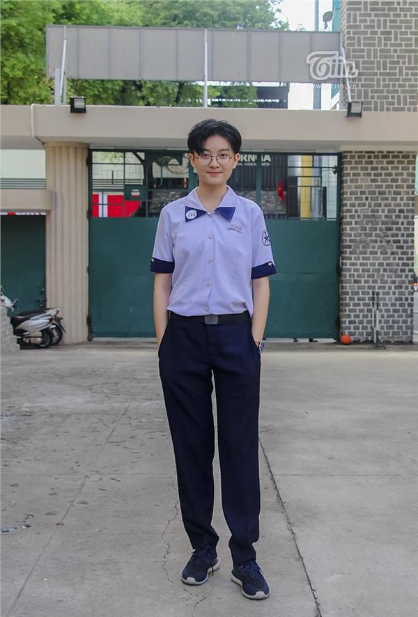 Cô nàng tomboy cao 1m80 trường Chuyên Trần Đại Nghĩa hút ngàn fan girl nhờ vẻ đẹp 'nam thần' 14