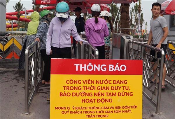 Công viên nước Thanh Hà tạm dừng hoạt động sau sự cố bé trai đuối nước, nhiều gia đình từ xa đến đành quay về 6