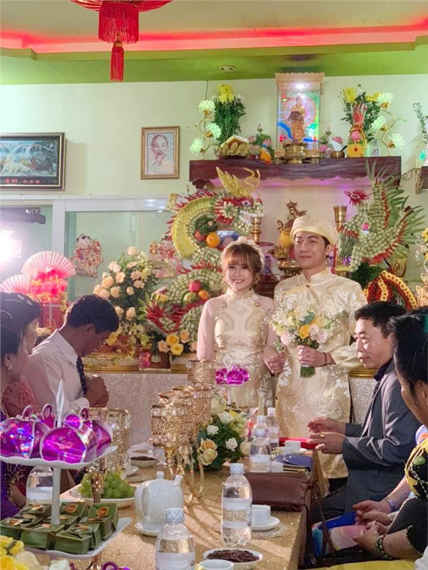 Một biểu cảm khá lầy lội của Cris Phan trong đám cưới.