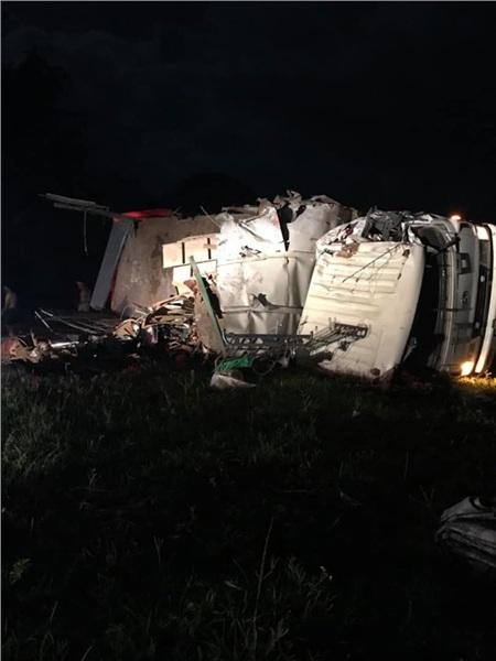 Hiện trường vụ tai nạn kinh hoàng khiến 3 người tử vong, 38 người bị thương ở Hòa Bình 6