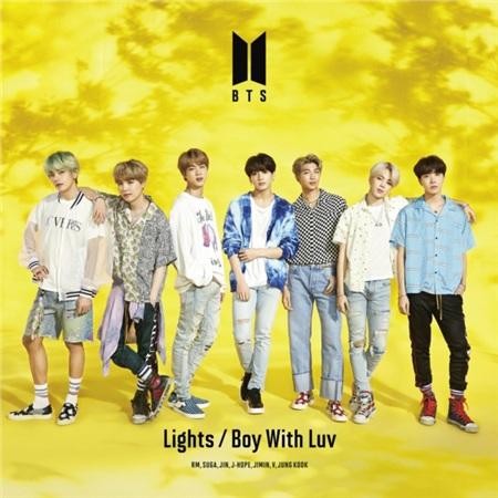 Đĩa đơn gồm ba ca khúc: ngoài 'Light' là bài bát hoàn toàn mới, khán giả còn được nghe phiên bản tiếng Nhật của 'Idol' và 'Boy with luv'.