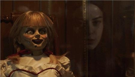 Sau 6 năm chinh chiến, búp bê ma Annabelle đã 'học' được những tuyệt chiêu hù dọa đỉnh cao nào? 2