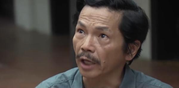 'Về nhà đi con': Ông Sơn bị con trai bà bán hoa xúc phạm 'già mà không nên nết' 3