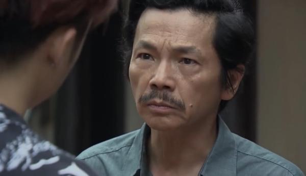 'Về nhà đi con': Ông Sơn bị con trai bà bán hoa xúc phạm 'già mà không nên nết' 8